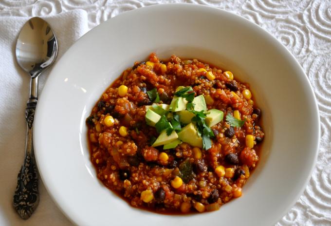 quinoa-black-bean-corn-chili-
