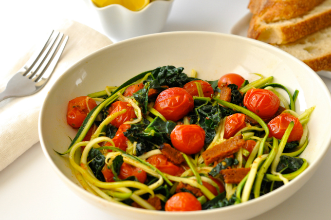 Zoodles also known as zucchini noodles make a delicious, fresh, healthy and low-carb alternative to pasta (#vegan) ordinaryvegan.net
