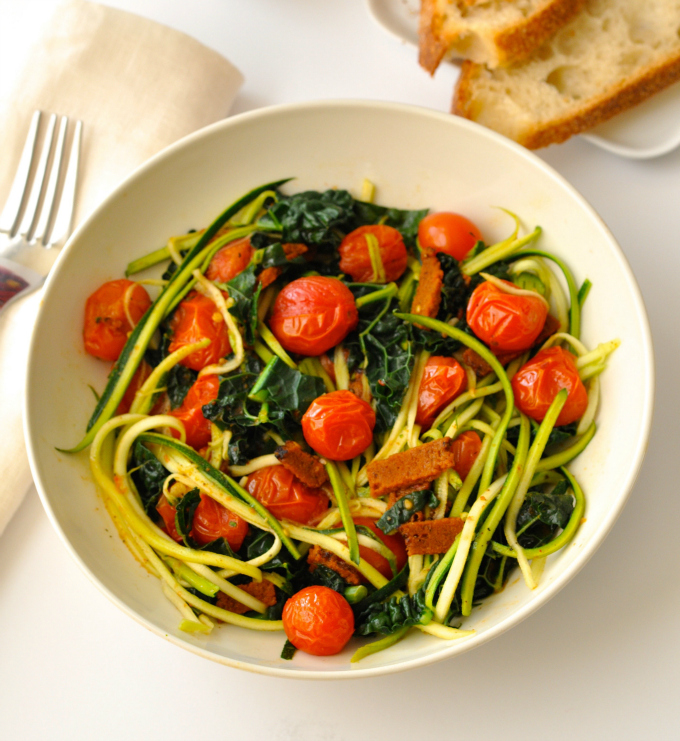 Zoodles also known as zucchini noodles make a delicious, fresh, healthy and low-carb alternative to pasta. (#vegan) ordinaryvegan.net