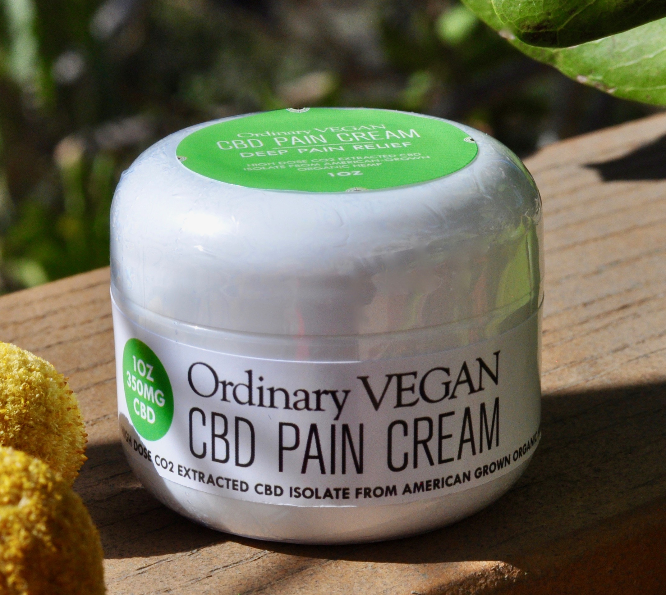 CBD pain cream formulated for sore muscle areas to heal inflammation and reduce pain. (#vegan) www.ordinaryvegan.net